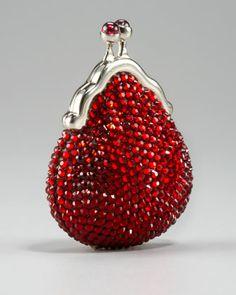 Oh yes please Judith Leiber. Such a groovy Beaded Coin Purse. Beaded Clutch, Beaded Purses, Vintage Purses, Vintage Handbags, Purses And Handbags, Coin Purses, Judith Leiber, Cute Bags, Evening Bags