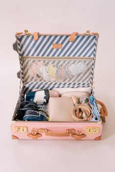 Julia Engel of Gal Meets Glam solves common travel packing problems and gives pro packing tips in this Travel Series post. Packing Tips For Travel, Suitcase Packing, Travel Ideas, Gal Meets Glam, Travel Scrapbook, Travel Accessories, Travel Usa, Travel Style, Traveling By Yourself