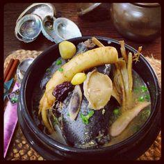 오골계 전복 삼계탕. Black chicken and abalone samgyetang