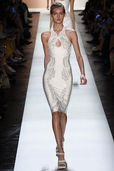 Hervé Léger by Max Azria, New York Fashion Week, Frühjahr-/Sommermode 2016 Max Azria, Fashion Week, Runway Fashion, Fashion Show, Daily Fashion, Street Fashion, Beautiful Dresses, Nice Dresses, Beautiful Models