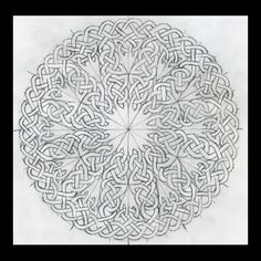 Celtic Knots 101 - Working in a Circle - WetCanvas: Online Living for Artists Viking Designs, Celtic Knot Designs, Celtic Mandala, Celtic Art, Celtic Symbols, Celtic Knots, Celtic Cross Stitch, Art Ancien, Nordic Tattoo