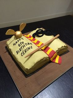 Harry Potter Cake by Victoria Defty Couture Cakes! Harry Potter Cake, Couture Cakes, Victoria, Desserts, Food, Meal, Deserts, Essen, Hoods