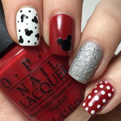 21 Spring Time Ready Outfits For 2019 Laci B brings on the fun in this Mickey Mouse-inspired manicure using her gifted polishes from the Collection. Have some serious fun recreating this nail art with the must-haves shared here. Nail Art Disney, Mickey Mouse Nail Art, Disney Nail Designs, Minnie Mouse Nails, Mickey Mouse Nails, Nail Art Designs, Disney Gel Nails, Disney Mickey, Disney Toes