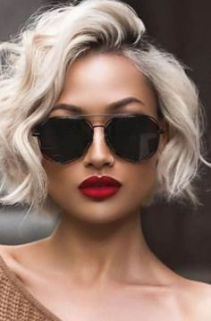 Our Favorite Hairstyles for Fall, short, medium and Long. - Informations About Our Favorite Hairstyles for Fall, short, medium and Long. Pin You can easily use - Layered Haircuts For Women, Short Hair Cuts For Women, Hair Cuts For Summer, Cut Her Hair, Short Hairstyles For Women, Fall Hairstyles, Popular Hairstyles, Short Haircuts, Haircut Short
