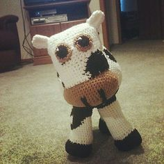 Holstein - Oh my ( I´m glad that I do not eat them). From newest Crochet Holic submitter no. 700, Kendall :))