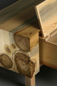 Beautiful wood log inlay detail- RYNTOVT DESIGN