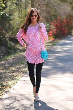Patterned tunic with leggings