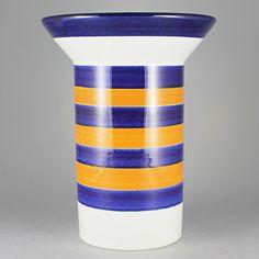 Marianne Westman (Piggelin 1960s) Stylistally Pure Vase