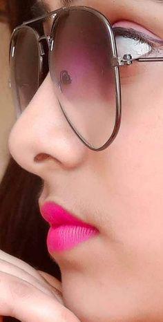 Geek Glasses, Stylish Girl, Cat Eye Sunglasses, Geek Stuff, Lips, Sweet, Face, Beauty, Fashion