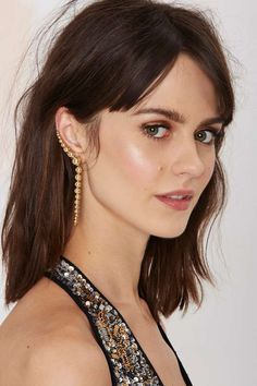 You're bound to be the belle of the ball (or the life of the party) in this cuff earring.