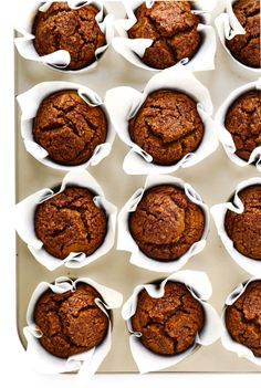 LOVE this healthy pumpkin muffins recipe! They're naturally gluten-free naturally sweetened with maple syrup easy to make and SO delicious. Perfect for fall breakfast dessert and snacking. Healthy Muffins, Healthy Treats, Healthy Baking, Healthy Desserts, Healthy Recepies, Healthy Foods, Fall Breakfast, Breakfast Dessert, Pumpkin Breakfast
