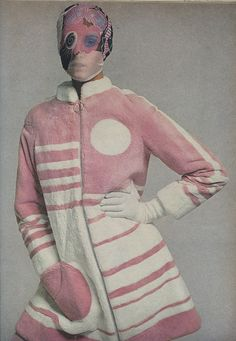 #SCS #fashion #1969 Vogue....Row staggered geometries and ..