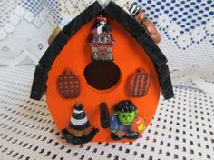 Wood Halloween Birdhouse by MesheleCrafts on Etsy