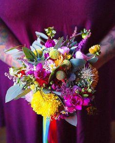 Pose idéale pour mettre en valeur les bouquets de mariées Crédit photo instagram @mintandsweetpepper
