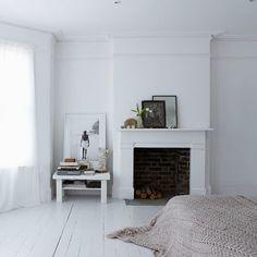 Biała drewniana podłoga | Z potrzeby piękna...