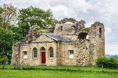 The Airbnb For Historic Landmarks Lets You Sleep In A Castle—For your next vacation, consider renting out an entire Palladio villa or a Georgian folly overlooking the Yorkshire countryside. Ripon Yorkshire, North Yorkshire, Vegetable Garden For Beginners, Beginners Gardening, Vegetable Gardening, Swiss Cottage, Small Buildings, England And Scotland, Countryside