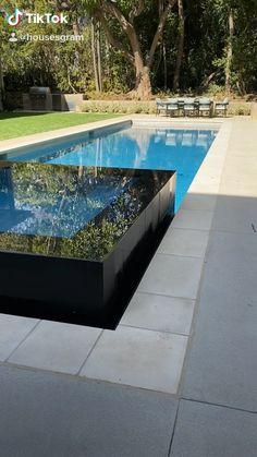 We adore this pool!- We adore this pool! Pool Spa, Swimming Pools Backyard, Swimming Pool Designs, Pool Landscaping, Swimming Pool Tiles, Luxury Swimming Pools, Diy Pool, Rooftop Pool, Small Backyard Pools