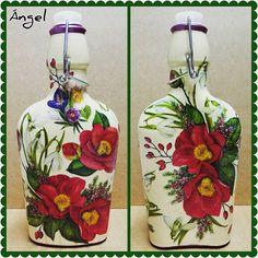 Botella cristal/decoupage papel arroz🎨🌼🌿#manualidades #hechoamano #cristal #flores #craft #hand_made #glass #decoupage #ricepaper #flowers #camellia #art #creative #design #floraldesign #flowersdecor #decoupaged #designed #glassdecor #artdesign #decoupageart #decor #home_decor #decoupagelover #exclusivedesign #craftdesign #craftdecor #instadesign #artsncrafts #disegno Glass Bottle Crafts, Glass Bottles, Wine Bottles, Decoupage Art, Bottle Painting, Rice Paper, Design Crafts, Flower Decorations, Floral Design