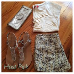 "Amazing Summer Shorts✨HP✨ These are amazing summer shorts from H&M and are a size 6. Very light material..I love this pattern for summer! Please ask any and all questions. Happy Poshing ✨Host Pick✨ ""Totally Trendy"" Party 5-20-2015 H&M Other"