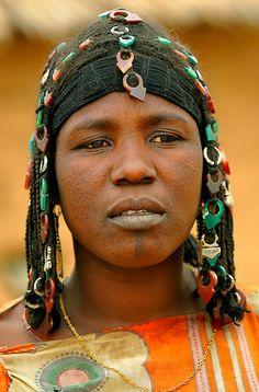 Africa | Portrait of an Ikelan Tuareg Amazigh woman. Burkina Faso | © Sergio Pessolano #Ikelan #Tuareg #Burkinabe