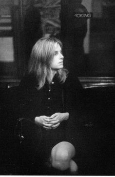 """lindapaulmccartney: """"""""She was always very beautiful. That picture of Linda on the Tube shows her perfectly: beautiful hands, absolutely no make-up, just the structure of the face. The argyle socks. Paul Mccartney, Swinging London, Linda Eastman, Wings Band, Jane Asher, The Argyle, Sir Paul, Wife And Girlfriend, The Beatles"""