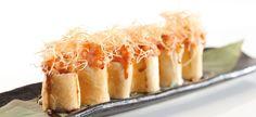 roll di pasta fillo, con tartare di salmone, avocado e philadelphia
