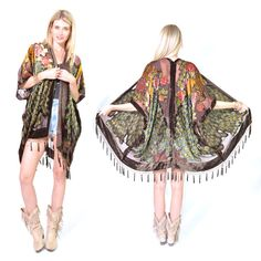 Peacock Burnout soie velours marron Franges par SaldanaVintage Boho Hippie, Mode Boho Gypsy, Estilo Hippie, Mode Kimono, Kimono Jacket, Kimono Fashion, Diy Fashion, Fashion Ideas, Spa Outfit