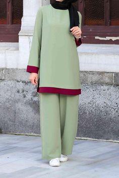 Boutique Minya Green New Acarel Team Modest Fashion Hijab, Street Hijab Fashion, Abaya Fashion, Hijab Chic, Modest Outfits, Fashion Outfits, Islamic Fashion, Muslim Fashion, Hijab Outfit