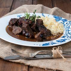 HOVÄDZIE NA ČERVENOM VINE S BRUSNICAMI Pork, Beef, Kale Stir Fry, Meat, Pork Chops, Steak
