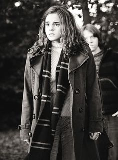 Wherever Hermione Granger is, Ron Weasley is not far behind. Harry Potter, movie, portrait, photo b/w. Ron And Hermione, Ron Weasley, Harry Potter Facts, Albus Dumbledore, Tom Felton, Hogwarts, Emma Watson, Movies, Films