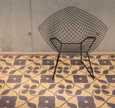 """Rozetta. A côté de ses traditionnels carreaux en ciment, la société Rozetta située près d'Anvers a développé une collection de carreaux de ciment plus contemporaine """"Rozetta concept"""" en s'alliant avec des créateurs inspirés."""
