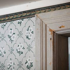 Tapet 'Förmaket' - Grå 3141-35 - Gysinge Swedish Style, Stencil Painting, Wall Treatments, Antique Furniture, New Homes, Flooring, Inspiration, Wallpaper, Manor Houses