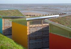 Boxen in Farbe: Strandpavillons in Southend-on-Sea-DETAIL.de