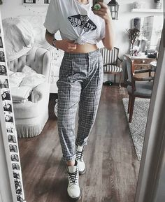 trendige outfits damen - edgy womens fashion:) Pin# 2934395914 Source by - Grunge Outfits, Tumblr Outfits, Mode Outfits, Grunge Fashion, Girl Outfits, Fashion Outfits, Fashion Trends, Cute Edgy Outfits, Feminine Fashion