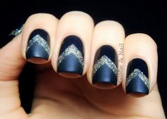 Nails with glitter chevrons