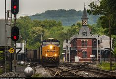 RailPictures.Net Photo: CSXT 892 CSX Transportation (CSXT) GE ES44AC at Point of Rocks, Maryland by Peter Lewis