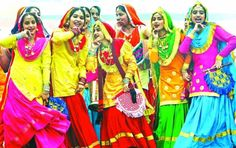 Throwing a Baisakhi theme kitty party is the best idea for the month of April. Punjabi Theme kitty party suits best for the baisakhi month April. Kitty Party Themes, Cat Party, Kitty Theme, Baisakhi Festival, Teej Festival, Bhangra Dance, Cooler Stil, Punjabi Culture, Bollywood