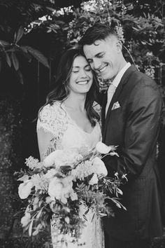 Home - Amber Vickery Photographer | Austin Wedding Photographer - Intimate Weddings + Elopements in Austin, Texas and Beyond