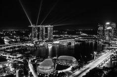 9. MIEJSCE: SINGAPUR Wskaźnik Rozwoju Społecznego: 0,901 Dochód narodowy brutto na mieszkańca: 72 371 (4. miejsce) Przewidywana długość życia od momentu urodzenia: 82,3 roku (6. miejsce) Przewidywany czas nauki: 15,4 lat (39. miejsce)