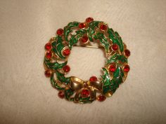 """Vintage EISENBERG ICE Enameled & Red Rhinestone Christmas Holly WREATH Pin ~ (Large 1-7/8"""" wide) ~ not Christmas tree by PastPossessionsOnly on Etsy"""