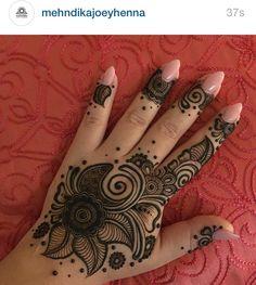 Follow @mehndikajoeyhenna on Instagram!!!! She's awesome!