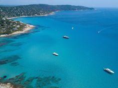 2017-06 Cap Taillat from the sky. Saint Tropez France. . . . . . . #toptravelspot #captaillat #france #sttropez #sainttropez #waterporn #sea #blue #mediterranean #locationindependent #travel #traveling #instantraveling #instatraveling #pixeltheplanet #earthpix #wanderlust #landscapephotography #travelphotography #djimavic