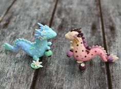 Lantern dragons crossing paths in the night. Polymer Clay Dragon, Polymer Clay Animals, Cute Polymer Clay, Cute Clay, Polymer Clay Charms, Polymer Clay Creations, Resin Crafts, Fun Crafts, Clay Turtle