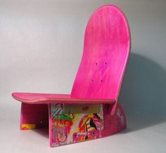 asiento infantil realizado con un monopatín