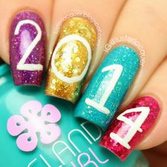 Silver lining custom blended nail polish glitter nail polish 2015 silver lining custom blended nail polish glitter nail polish 2015 new years eve glitter makeup 2015 new years dress up for yourself pinterest solutioingenieria Choice Image