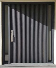 Do you want pivot doors in Melbourne? Armadale Doors & Leadlight is a leading supplier of pivot doors - make a statement with an impressive entraceway today! Front Gate Design, Door Gate Design, Main Door Design, Entry Way Design, Modern Entrance Door, Modern Door, Entrance Doors, House Cladding, Facade House