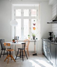 my scandinavian home: Light filled kitchen in a delightful family home in Stockholm