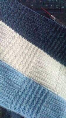Crochet blanket pattern with square patterns - Knitting Patterns Baby Knitting Patterns, Free Baby Blanket Patterns, Crochet Blanket Patterns, Crochet Stitches, Poncho Patterns, Crochet Baby Poncho, Knitted Baby Blankets, Chevron Baby Blankets, Diy Crafts Crochet