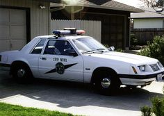 1984 Ford Mustang SSP Washington State Patrol Old Police Cars, Ford Police, Police Patrol, State Police, Police Vehicles, Emergency Vehicles, Fox Body Mustang, Radios, Auto Service