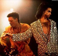 "Prince b like "" Hell no "" Graffiti Bridge, Pictures Of Prince, Everlasting Love, Roger Nelson, Prince Rogers Nelson, Purple Rain, Beautiful One, Black Men, Couple Photos"